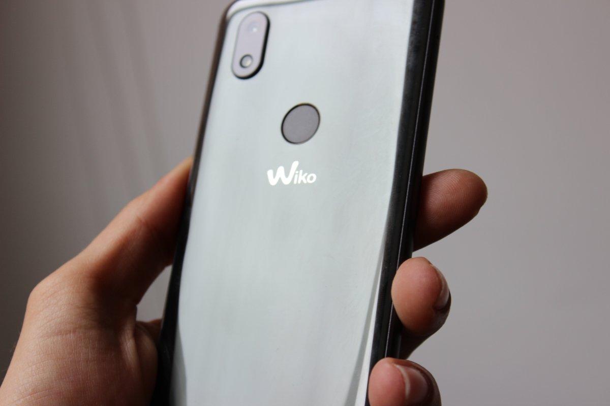 A pesar de sus 6 pulgadas Wiko View 2 está muy bien compensado en cuanto a tamaño