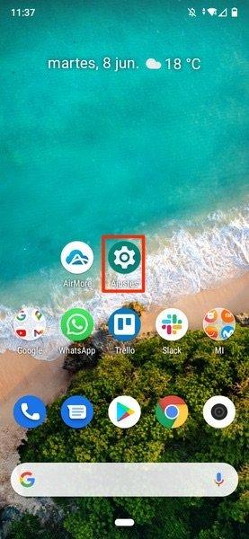 Acceso a Ajustes en la pantalla principal del teléfono