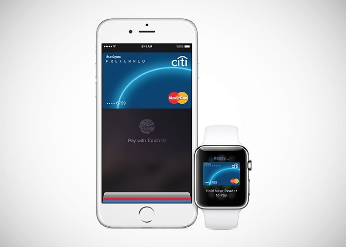 Apple Pay en un iPhone y un Apple Watch