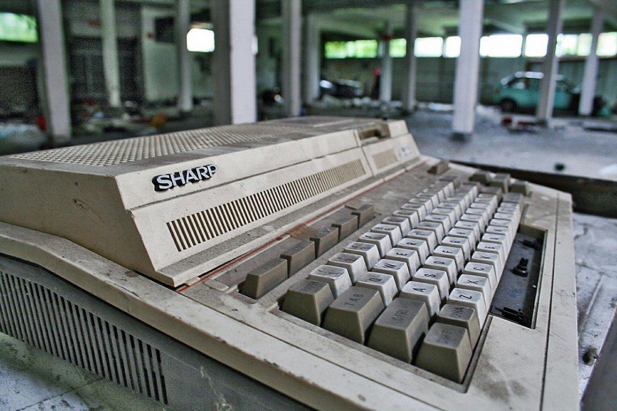 Calculadora Sharp, lo más parecido a ECHO IV