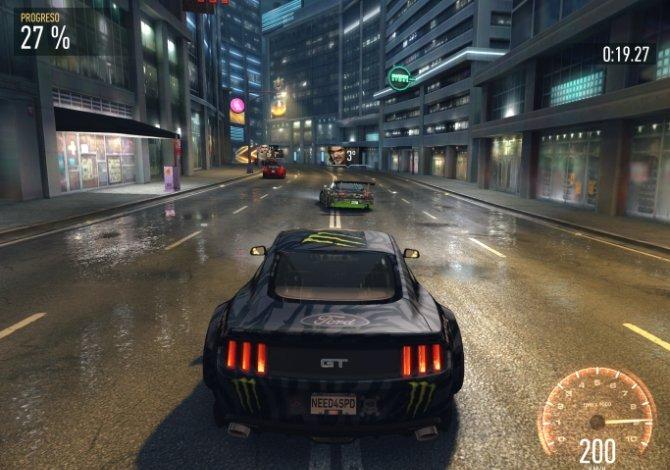 Carreras nocturnas huyendo de la policía, un clásico en Need for Speed