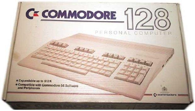 Commodore 128 la caja oficial del ordenador