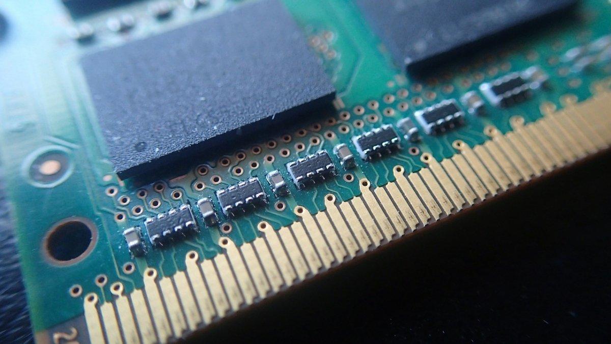 Detalle de chip de memoria RAM