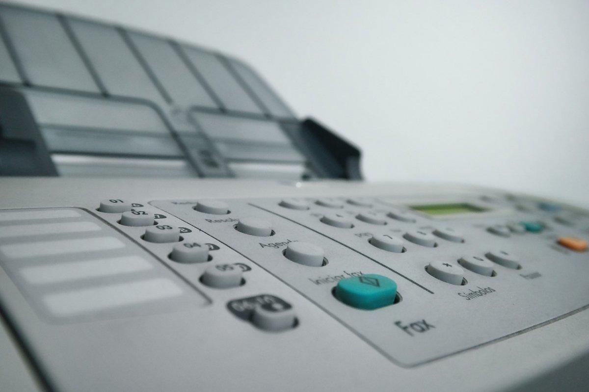 Detalle del teclado de un fax