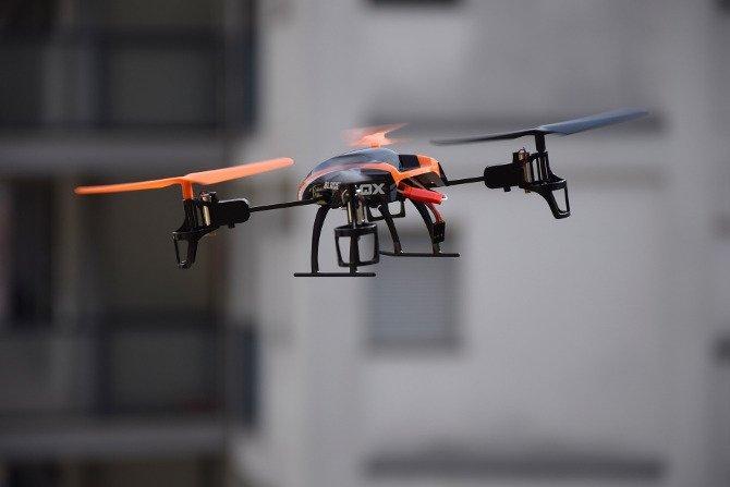 DroneDefender debería ser capaz de derribar drones comerciales sin problemas