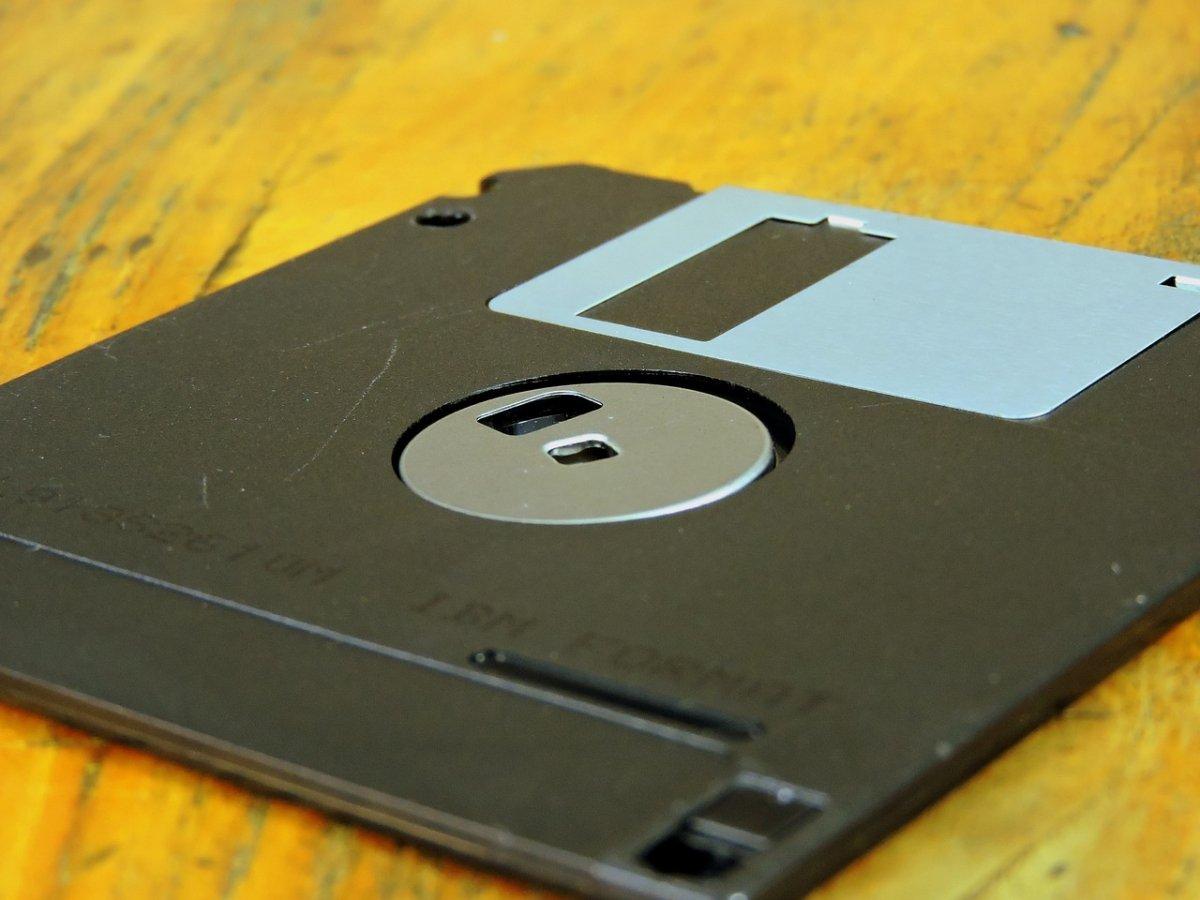 El disquete, esencial en las sneakernets