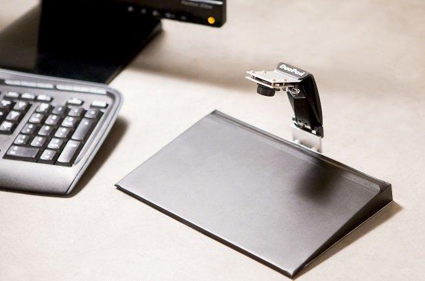 El DuoPad incorpora un trackpad tradicional y una cámara