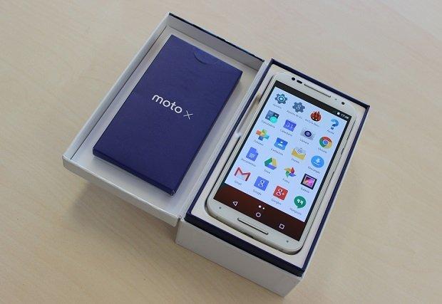 El Moto X de Motorola dentro de su caja