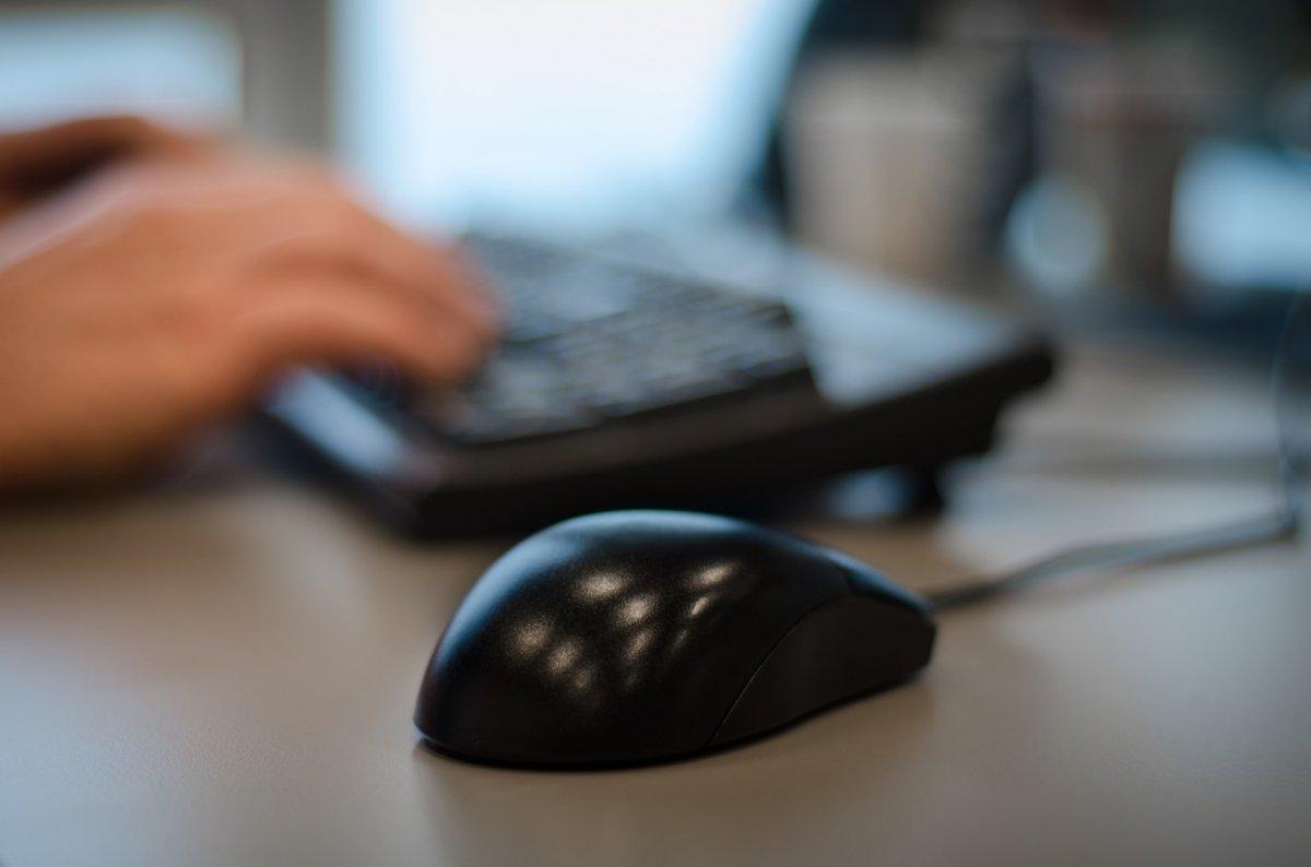 El ratón permite simplificar el uso de los ordenadores