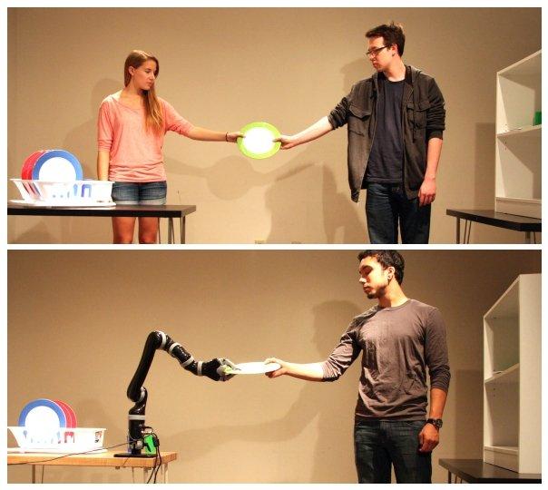 El robot aprendió a interactuar mejor con los humanos después de observarlos