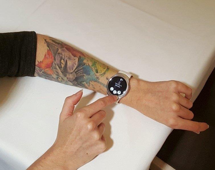 El Samsung Gear S2 acopla en cualquier brazo