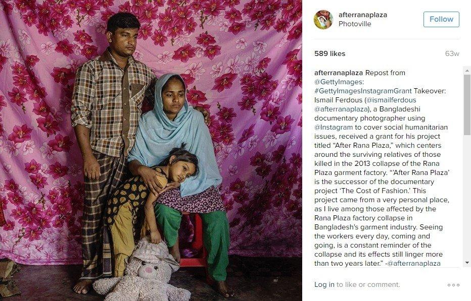 Foto de una familia afectada por el derrumbe de Rana Plaza
