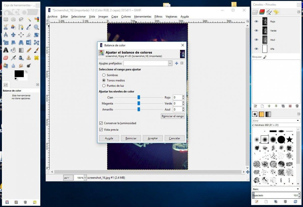 GIMP abierto con un proyecto