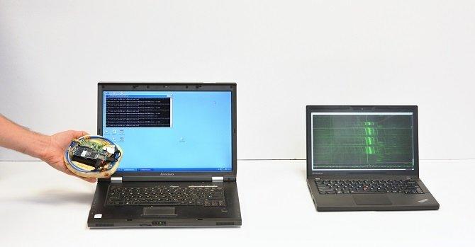 Hackeando un ordenador con un dispositivo construido con un pan de pita
