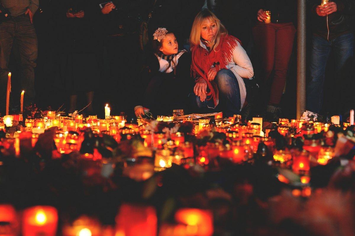 Homenaje a las víctimas de París en Praga