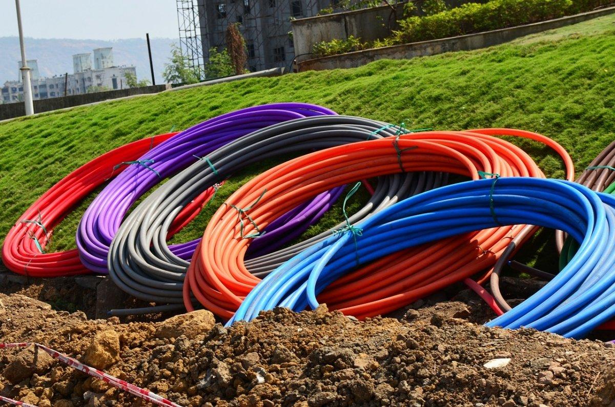 Instalación de cables de fibra óptica