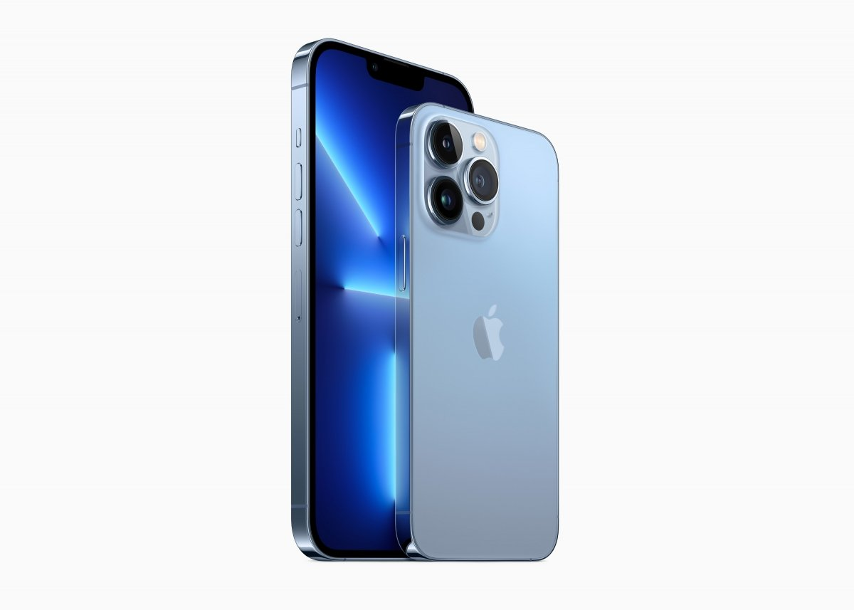 iPhone 13 Pro Max en azul