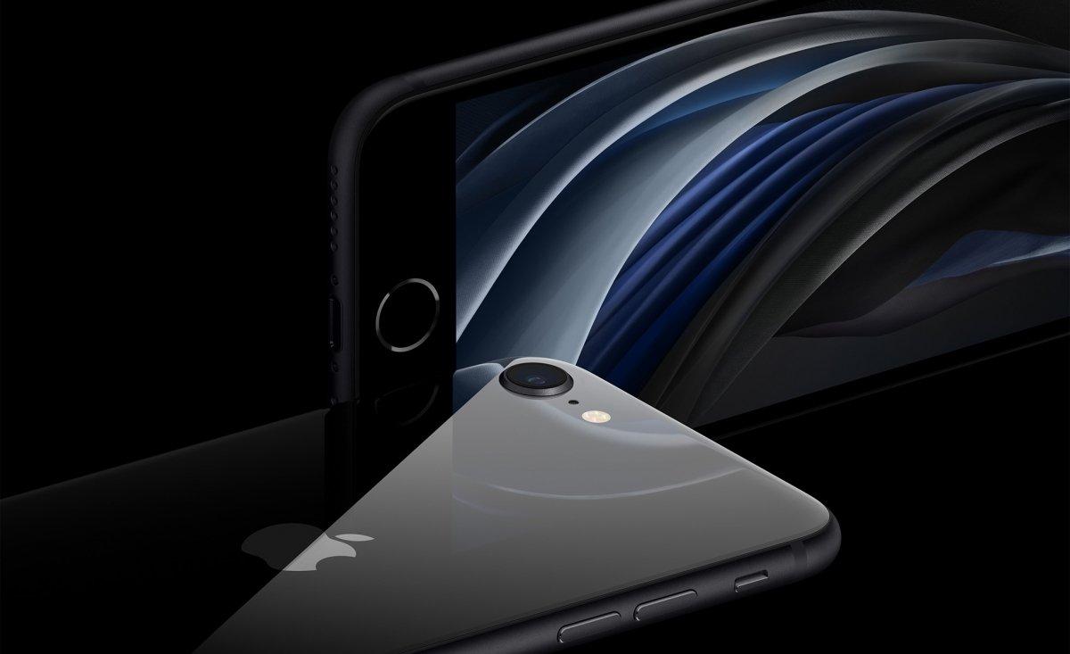 iPhone SE 2020 en modelo negro