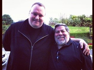 Kim Dotcom (Megaupload) con Steve Wozniak (co-fundador de Apple)