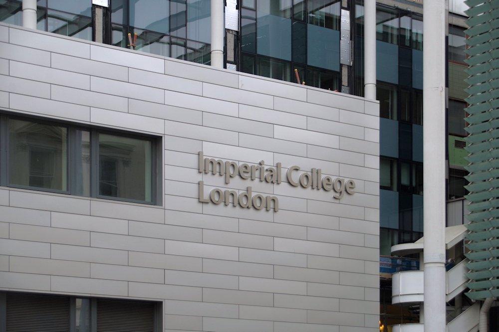 La Escuela Imperial de Londres es la prestigiosa universidad británica donde Matthew Lai trabaja
