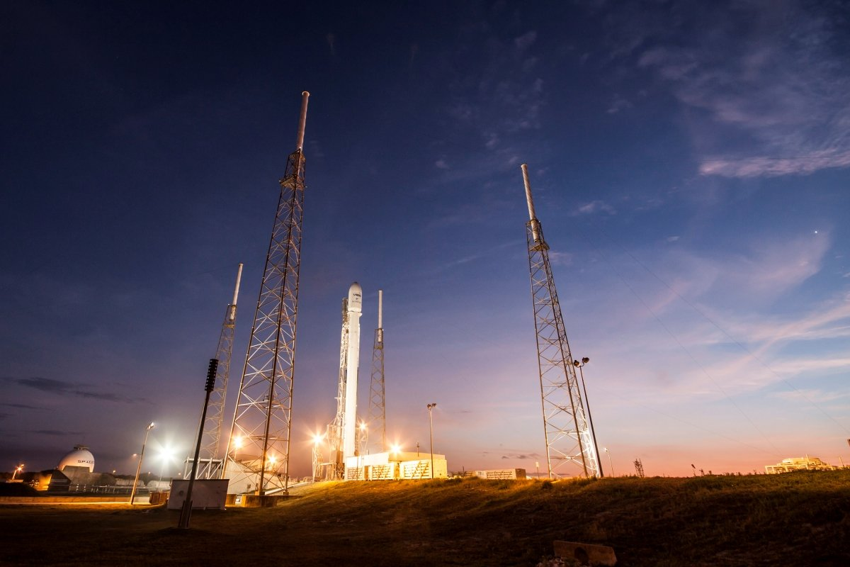 Lanzamiento del Falcon 9 como parte de la misión ABS/Eutelsat-1 a fecha de 1 de marzo de 2015