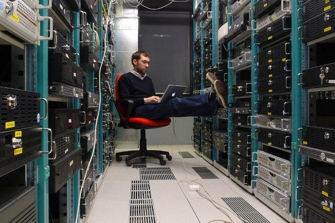 Los servidores requieren vigilancia constante