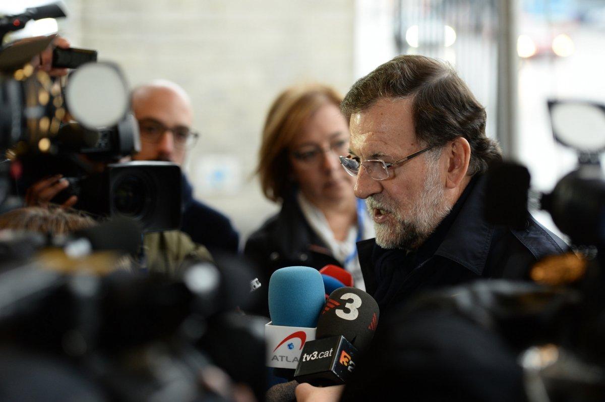 Mariano Rajoy hablando para los medios de comunicación