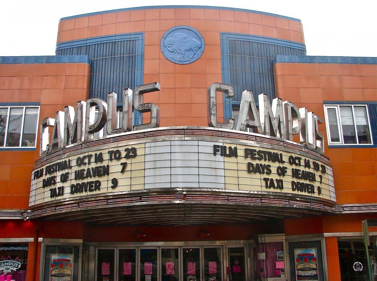 Muchos usuarios han cambiado los cines por la comididad de sus hogares