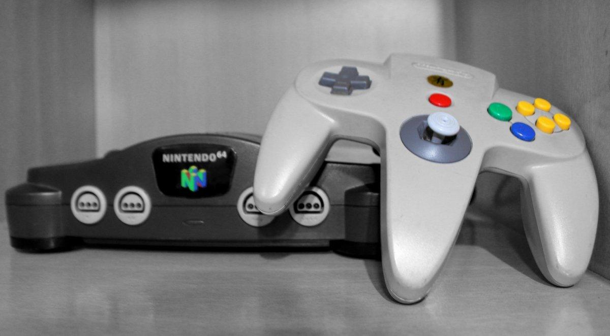 Nintendo 64 y su mando