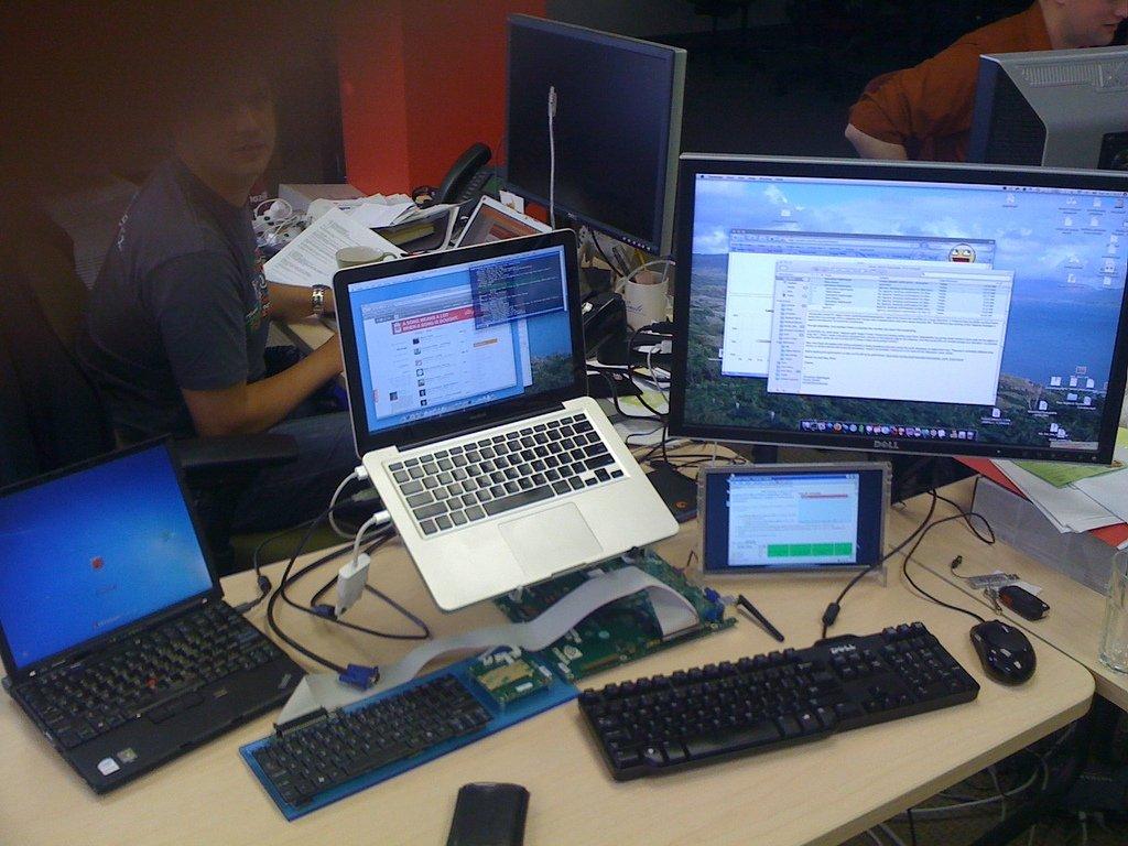 OmniRAT también puede controlar sistemas de escritorio