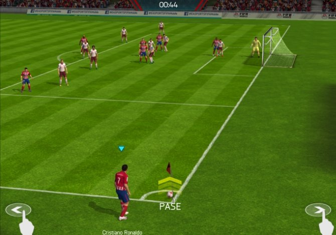 Preparándonos para lanzar un córner en FIFA Mobile