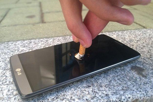 Cómo dejar de fumar con tu móvil con QuitNow! y otras aplicaciones