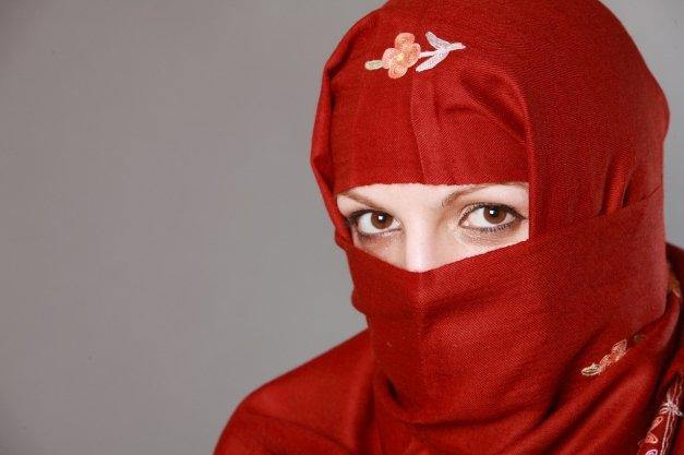 Musulmán busca (segunda) esposa: un Tinder al servicio de la poligamia