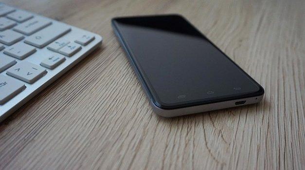 Cómo usar y controlar tu móvil Android con un teclado y un ratón