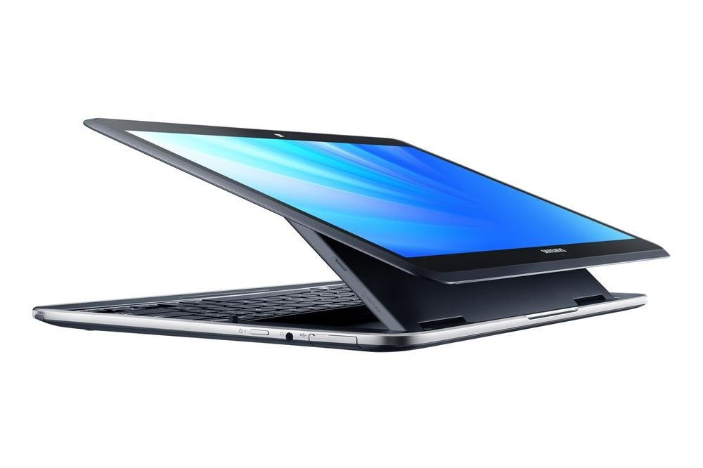 Samsung ATIV Q inclinado