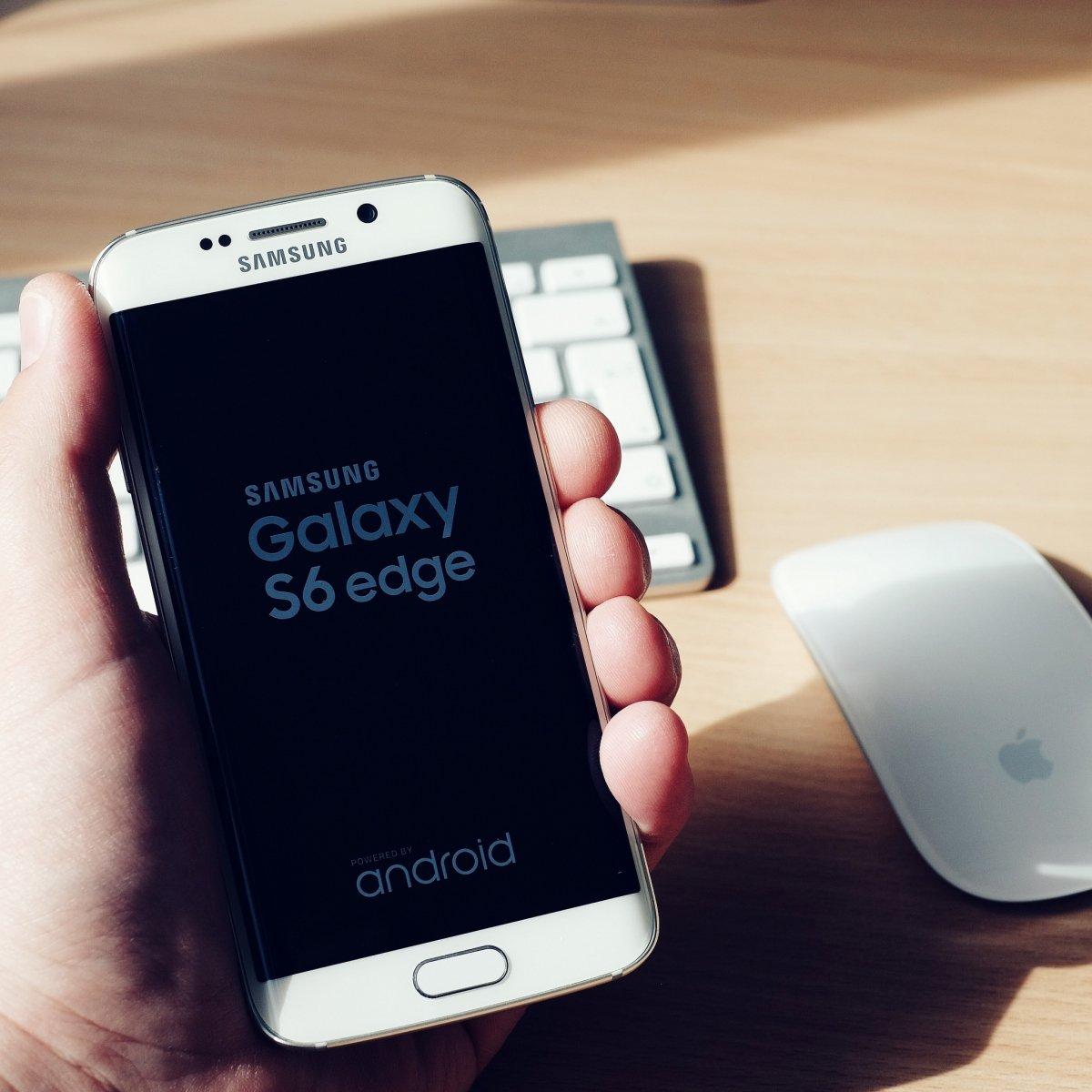 Samsung Galaxy S6 edge, dos bordes curvos en una misma pantalla