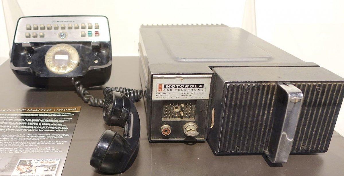 Teléfono para coche Motorola TLD-1100 año 1964