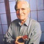 Fallece el inventor Douglas Engelbart, padre del ratón
