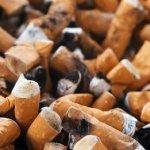 La batería de tu próximo móvil podría estar hecha de colillas de cigarro