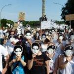Snowden: 'El GCHQ puede controlar cualquier móvil con Smurf Suite'
