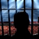 Se ofrece community manager para presos: citas y amistades entre rejas