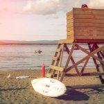 Los Vigilantes de la Playa 2.0, protagonizado por Pamela AnDRONson