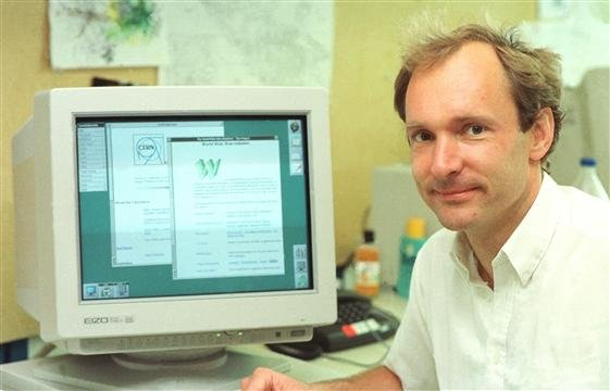 Tim Berners-Lee en 1994 en el CERN