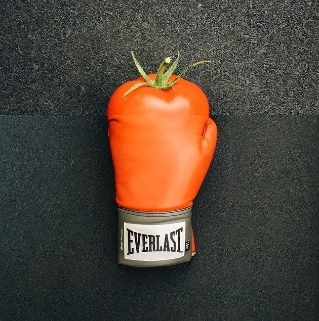 Tomate + Guante de boxeo