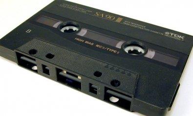 Webcassette, el reproductor de música que te envía a los años 80