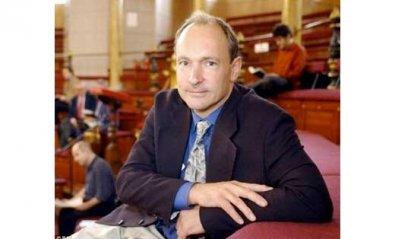 Las redes sociales amenazan la universalidad de Internet, según Tim Berners-Lee