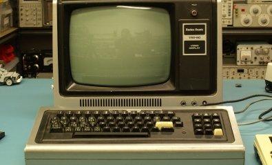 Ya es posible visitar Wikipedia desde un Tandy TRS-80