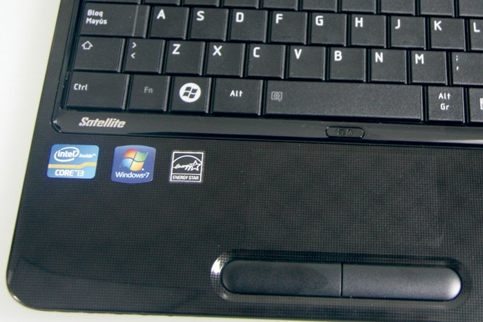 Toshiba Satellite L750-1VW detalle 1