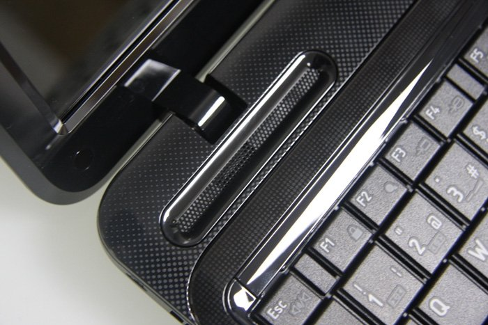 Toshiba Satellite L750-1VW detalle 3