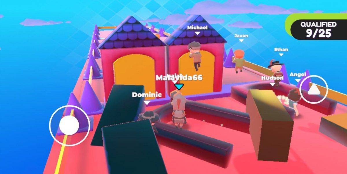 Un nivel con puertas fijas y de mentira en Fall Dudes 3D